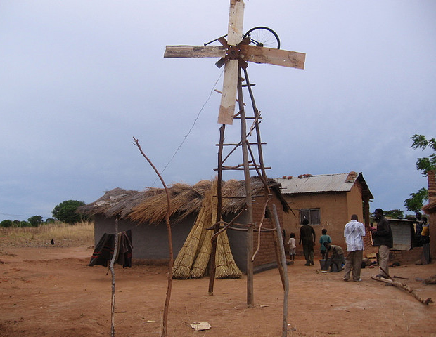 William-Kamkwambas-old-windmill-whiteafrican